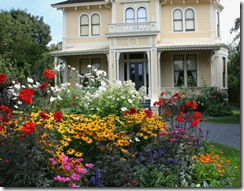 English cottage-style garden, Emily Carr House, Victoria B.C.  Photo credit: Jean Potuchek