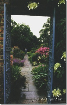 Sissinghurst gateway (photo credit: Jean Potuchek)