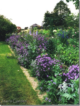 June border at Giverny (photo credit: Jean Potuchek)