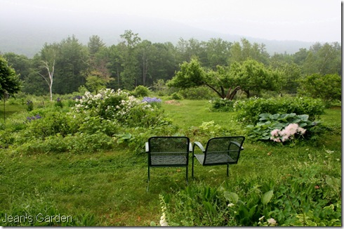 Seating area at Flower Hill Farm (photo credit: Jean Potuchek)
