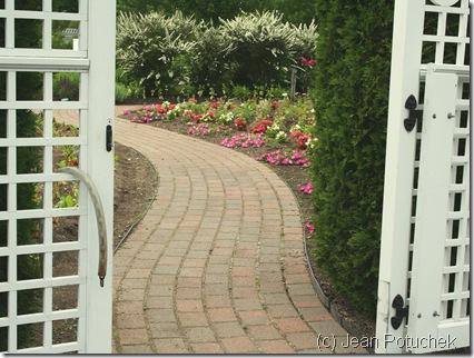 View through the gate to the garden at Pineland Farms (photo credit: Jean Potuchek)