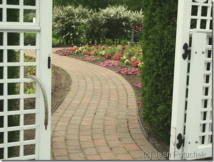 View through the gate to the garden at Pineland Farms (photo credit: Jean Potuchek)