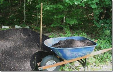 Wheelbarrow with compost (photo credit: Jean Potuchek)