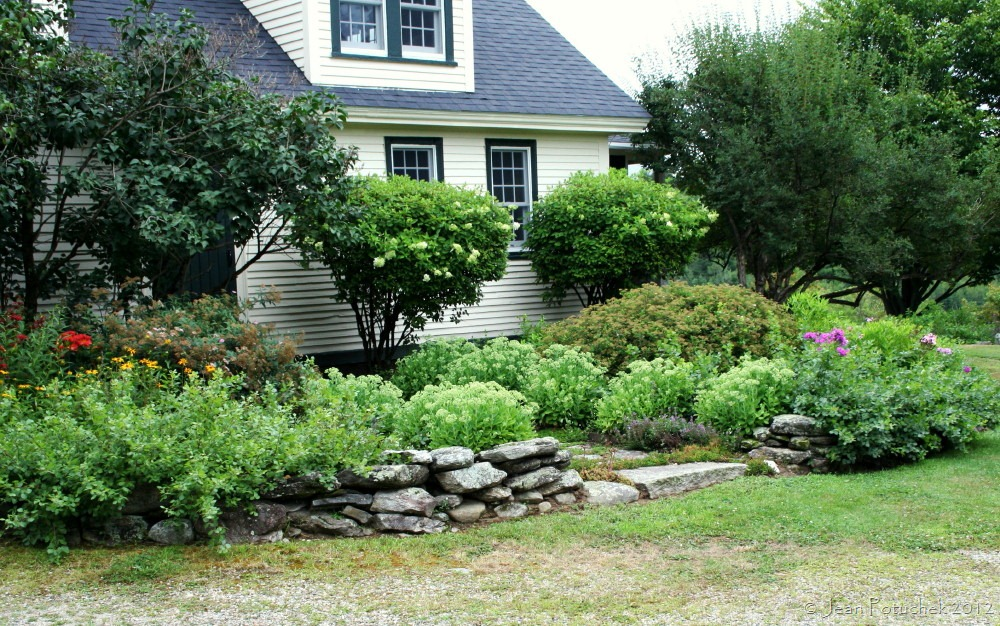 The laurie garden a beautiful blend of rustic and for Garden in front of house