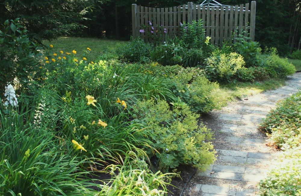fence border from deck - Garden Ideas Zone 6