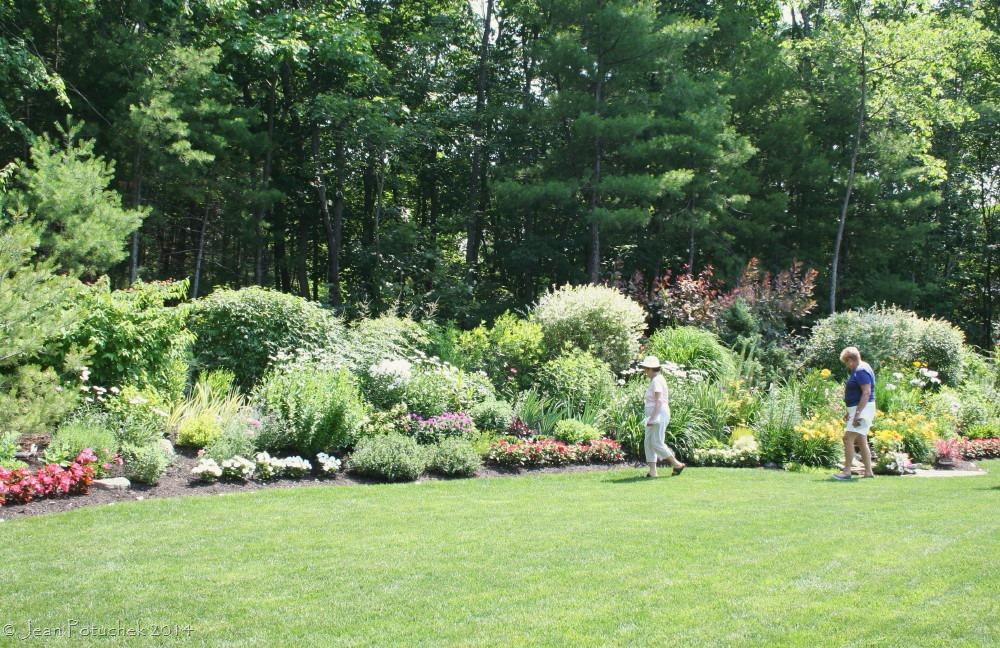 Charming Hudson Garden Wide View