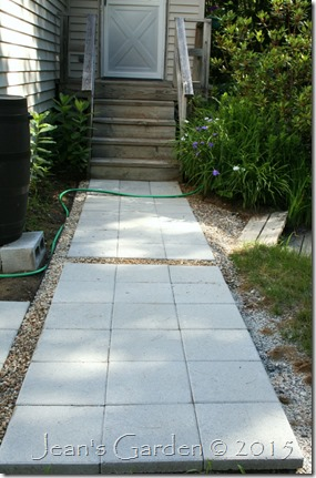 hardscape back walkway